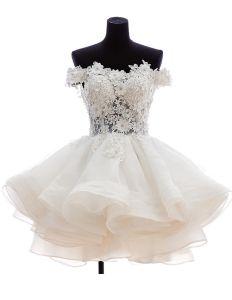 Fyrkantig Ringning Borrat Spets Blomma Kort Och Mini Bröllopsklänningar