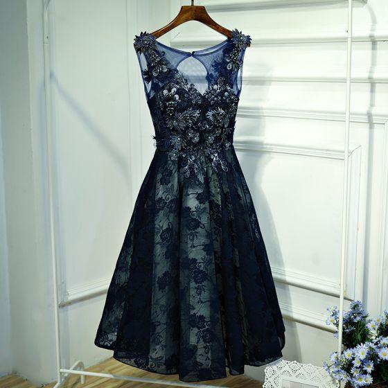 8dd5f0821 Clásico Azul Tinta Vestidos Formales Vestidos de noche 2017 Con Encaje Flor  Perla Rhinestone Scoop Escote Sin Mangas Cortos ...