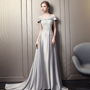 Modern / Fashion Grey Evening Dresses  2018 Empire Square Neckline Short Sleeve Appliques Lace Sequins Beading Cathedral Train Ruffle Backless Formal Dresses