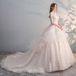 Schöne Champagner Brautkleider 2018 Ballkleid Mit Spitze Applikationen Perle Pailletten Rundhalsausschnitt Rückenfreies Ärmel Kathedrale Schleppe Hochzeit