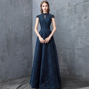 Chic / Beautiful Navy Blue Evening Dresses  2018 A-Line / Princess Lace Crystal Scoop Neck Backless Cap Sleeves Floor-Length / Long Formal Dresses