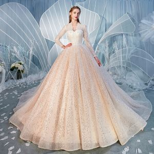 Charmant Champagner Brautkleider / Hochzeitskleider 2020 Ballkleid V-Ausschnitt Pailletten Spitze Blumen Lange Ärmel Rückenfreies Kathedrale Schleppe