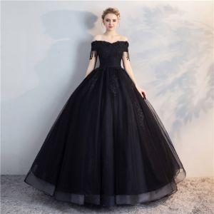 Asequible Negro Hinchado Quinceañera Vestidos de gala 2018 Ball Gown Con Encaje Flor Rebordear Perla Tassel Fuera Del Hombro Sin Espalda Manga Corta Largos Vestidos Formales