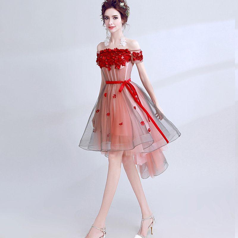 Schöne Rot Abiballkleider 2017 A Linie Spitze Bandeau Applikationen Rückenfreies Blumen Cocktail Heimkehr Festliche Kleider