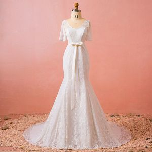 Chic / Beautiful Ivory Plus Size Chapel Train Wedding Dresses 2018 Trumpet / Mermaid V-Neck Tulle 1/2 Sleeves Appliques Pierced Wedding
