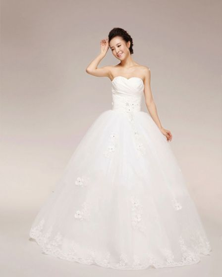 Graceful Applique Beading Ruffles Sweetheart Tulle Ball Gown Wedding Dress
