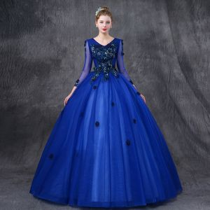 Vintage / Retro Quinceañera Royal Blue Prom Dresses 2019 Ball Gown V-Neck Long Sleeve Appliques Lace Pearl Floor-Length / Long Ruffle Backless Formal Dresses