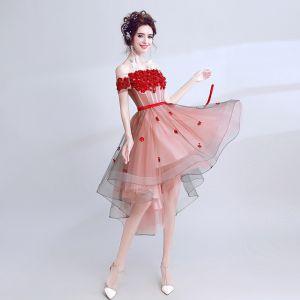 Piękne Czerwone Sukienki Na Studniówke 2017 Princessa Koronkowe Bez Ramiączek Aplikacje Bez Pleców Kwiat Koktajlowe Homecoming Sukienki Wizytowe