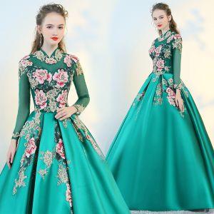 Chinesischer Stil Grün Durchsichtige Ballkleider 2018 Ballkleid Stehkragen Lange Ärmel Stickerei Perle Lange Rüschen Rückenfreies Festliche Kleider