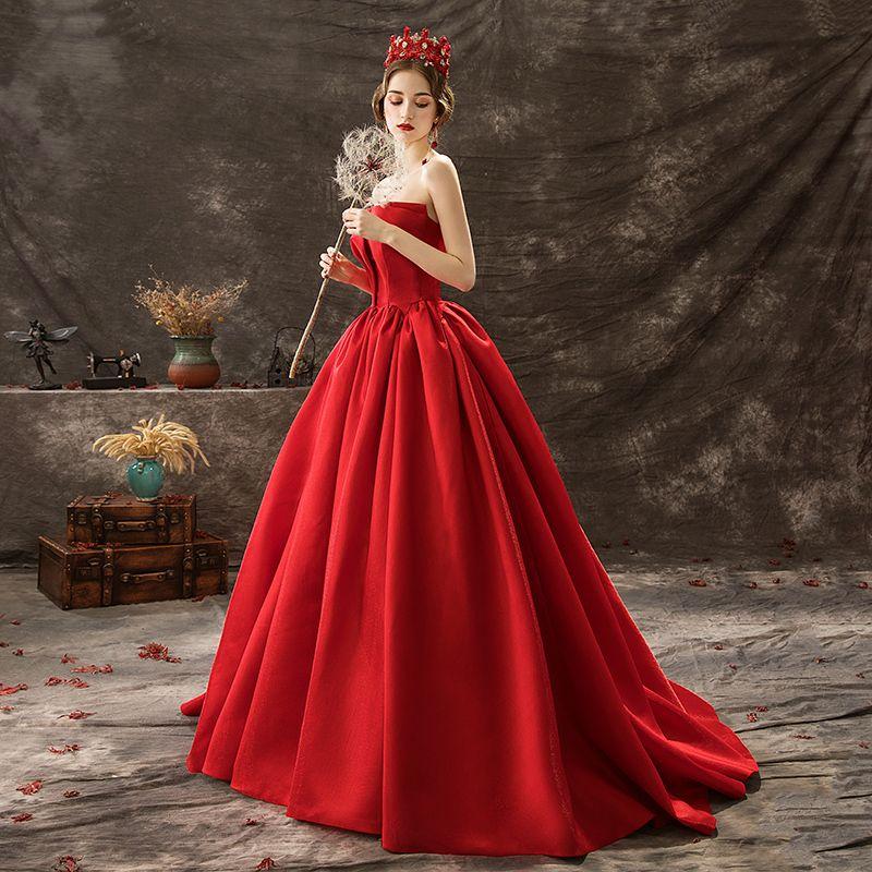 Audrey Hepburn-Stil Einfarbig Rot Ballkleider 2019 A Linie Bandeau Ärmellos Rückenfreies Hof-Schleppe Festliche Kleider