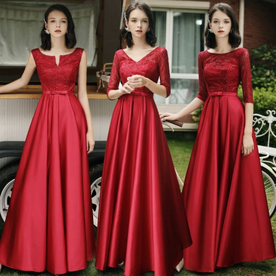 Modest / Simple Red Satin Bridesmaid Dresses 2021 A-Line / Princess Scoop Neck Bow Lace Flower 1/2 Sleeves Backless Floor-Length / Long Wedding Party Dresses