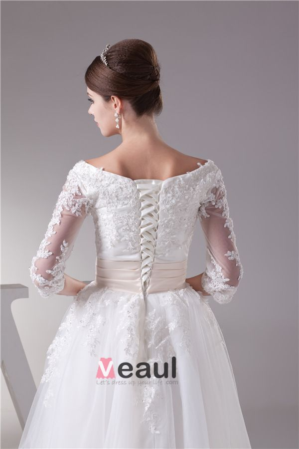 Charming Ball Gown Scoop Neck Lace Sleeves Tea Lenght Wedding Dress Short Bridal Gown
