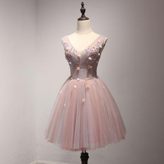 Piękne Różowy Perłowy Strona Sukienka 2017 Kaskadowe Falbany Krótkie Suknia Balowa Plecy V-Szyja Bez Rękawów Bez Pleców Perła Aplikacje Kwiat Frezowanie Sukienki Wizytowe