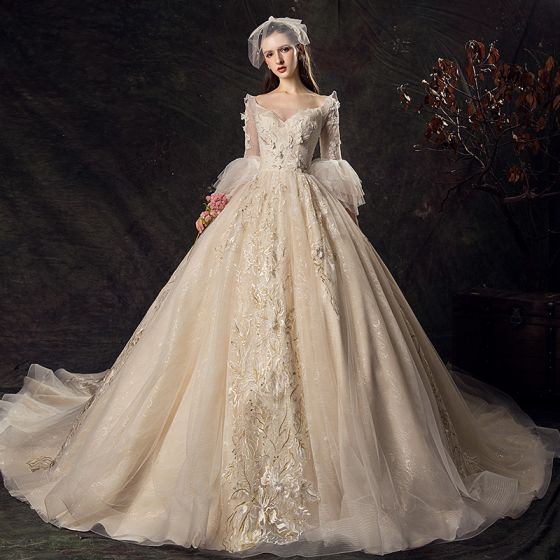 Audrey Hepburn Style Champagne Wedding Dresses 2019 Ball Gown V-Neck Lace Flower Bell sleeves Backless Royal Train