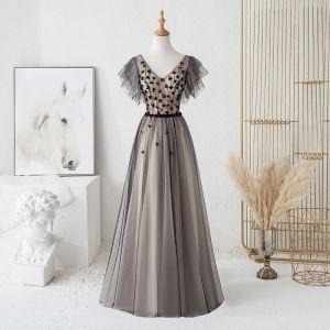 Chic / Belle Noire Robe De Soirée 2019 Princesse V-Cou Perlage Cristal Appliques Manches Courtes Dos Nu Noeud Longue Robe De Ceremonie