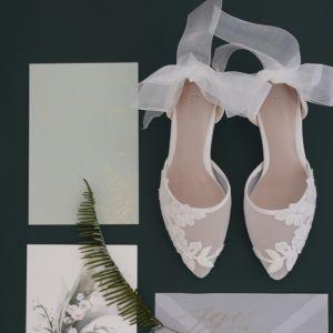 Charmig Vita Spets Blomma Genomskinliga Brudskor 2020 6 cm Stilettklackar Spetsiga Bröllop Klackskor
