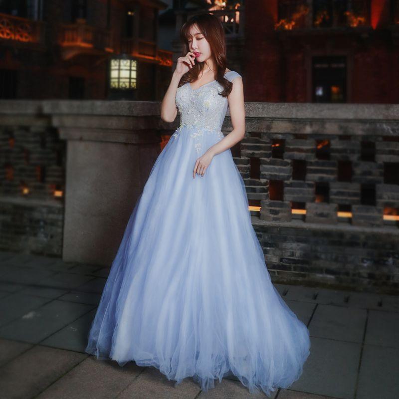 Chic / Beautiful Formal Dresses 2017 Prom Dresses Sky Blue A-Line / Princess Sweep Train V-Neck Sleeveless Backless Sash Appliques Flower Pearl
