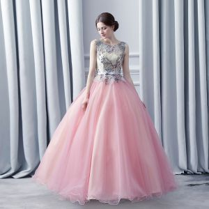 Modern / Fashion Champagne Blushing Pink Prom Dresses 2017 Ball Gown Scoop Neck Sleeveless Appliques Lace Rhinestone Bow Sash Floor-Length / Long Ruffle Pierced Backless Formal Dresses