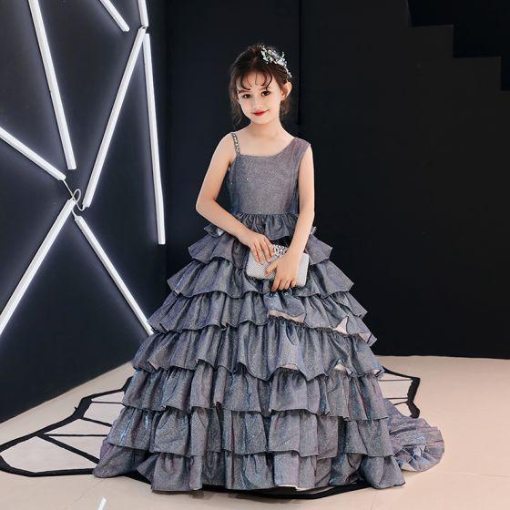 ca1bb9e03 Plata Glitter Vestidos para niñas 2019 A-Line   Princess Único Hombros Sin  Mangas Colas De La Corte Volantes En Cascada ...