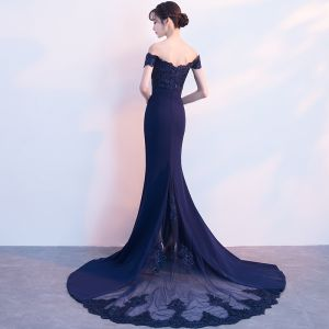 Charming Navy Blue Evening Dresses  2018 Trumpet / Mermaid Off-The-Shoulder Short Sleeve Appliques Lace Beading Chapel Train Backless Formal Dresses