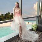 Schöne Champagner Strand Brautkleider 2017 A Linie Herz-Ausschnitt Ärmellos Applikationen Blumen Asymmetrisch Rüschen Rückenfreies