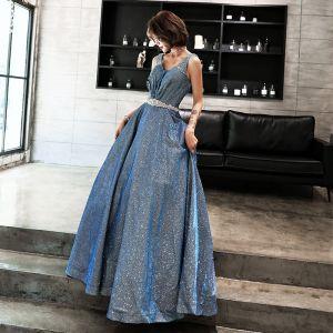 Glanz Sternenklarer Himmel Blau Ballkleider 2019 A Linie V-Ausschnitt Ärmellos Strass Stoffgürtel Lange Rüschen Rückenfreies Festliche Kleider