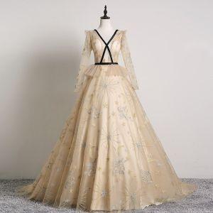 Eleganckie Beżowe Sukienki Na Bal 2019 Princessa V-Szyja Z Koronki Gwiazda Długie Rękawy Bez Pleców Trenem Sweep Sukienki Wizytowe