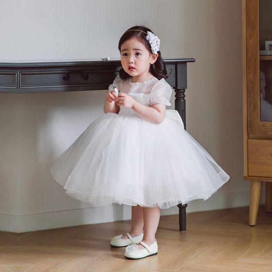 Elegante Witte Doorzichtige Huwelijk Bloemenmeisjes Jurken 2020 Prinses Ronde Hals Gezwollen Korte Mouwen Kralen Strik Korte Jurken Voor Bruiloft