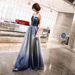 Mooie / Prachtige Koninklijk Blauw Avondjurken 2019 A lijn Spaghettibandjes Mouwloos Rhinestone Gordel Glans Tule Lange Ruche Ruglooze Gelegenheid Jurken