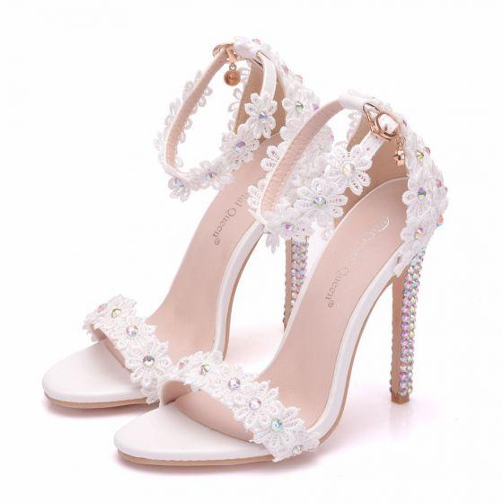 bddd3cda8413 Moderne   Mode Blanche Chaussure De Mariée 2018 En Dentelle Fleur Faux  Diamant Bride Cheville 11 cm Talons Aiguilles Peep Toes   Bout Ouvert  Mariage ...