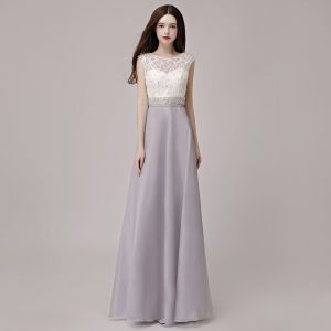 Affordable Silver Pierced Evening Dresses  2018 A-Line / Princess Scoop Neck Sleeveless Pearl Rhinestone Sash Floor-Length / Long Formal Dresses