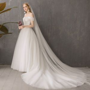 Modest / Simple Affordable Ivory Wedding Dresses 2019 A-Line / Princess Off-The-Shoulder Short Sleeve Backless Appliques Lace Chapel Train Ruffle