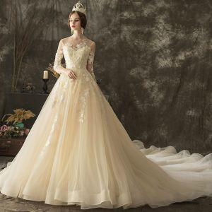 Illusion Champagne Genomskinliga Bröllopsklänningar 2019 Prinsessa Urringning 3/4 ärm Halterneck Appliqués Spets Beading Chapel Train Ruffle