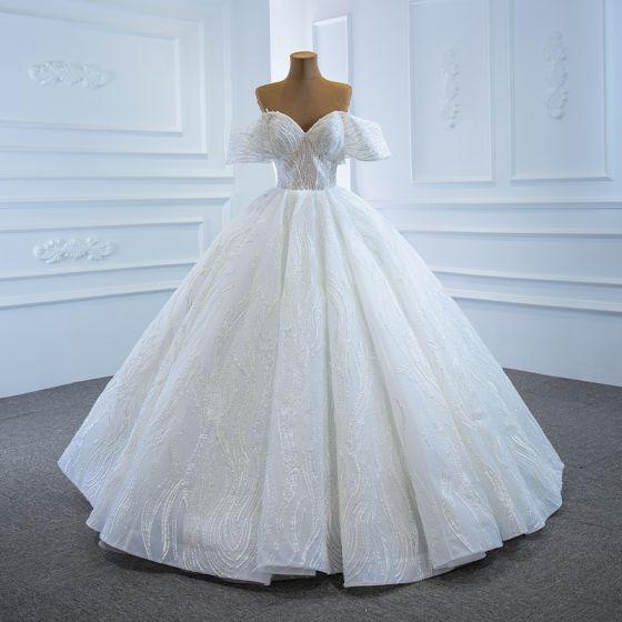 Luxe Blanche La Mariée Robe De Mariée 2020 Robe Boule De l'épaule Manches Courtes Dos Nu Appliques En Dentelle Perlage Paillettes Longue Volants