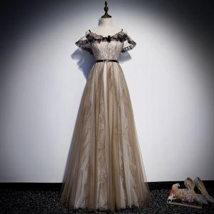 Chic / Belle Kaki Robe De Soirée 2019 Princesse Bretelles Spaghetti Ceinture En Dentelle Fleur Manches Courtes Dos Nu Longue Robe De Ceremonie