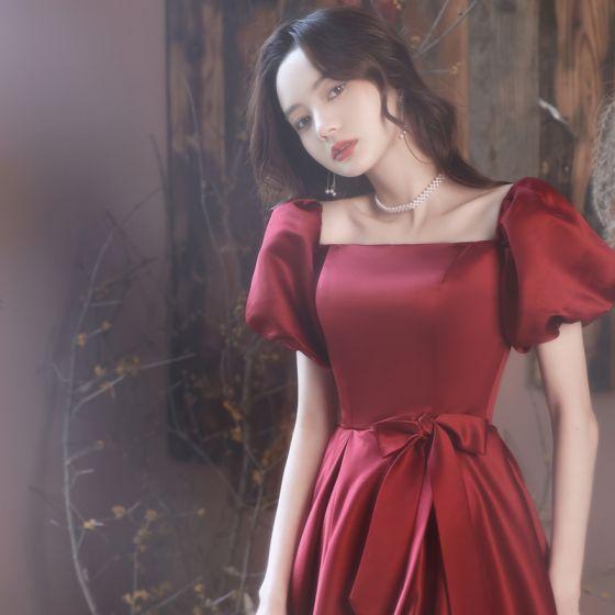 Chic / Beautiful Burgundy Split Front Satin Prom Dresses 2021 A-Line / Princess Square Neckline Bow Short Sleeve Backless Floor-Length / Long Prom Formal Dresses