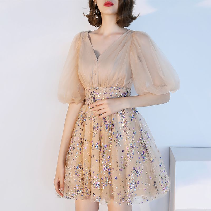 Modern / Fashion Champagne Homecoming Graduation Dresses 2018 A-Line / Princess V-Neck Puffy 1/2 Sleeves Sequins Short Ruffle Formal Dresses