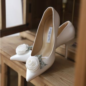 Elegante Schöne Weiß Satin Brautschuhe 2020 Perle Blumen 9 cm Stilettos Spitzschuh Hochzeit Pumps