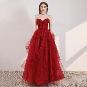 Elegante Rot Ballkleider 2020 A Linie Herz-Ausschnitt Ärmellos Applikationen Blumen Perlenstickerei Glanz Tülle Lange Rüschen Rückenfreies Festliche Kleider