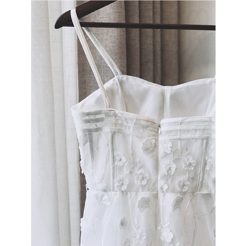 Chic / Beautiful Summer White Evening Dresses  2018 A-Line / Princess Spaghetti Straps Sleeveless Appliques Lace Ankle Length Ruffle Backless Formal Dresses