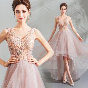 Moderne / Mode Rougissant Rose Robe De Cocktail 2018 Princesse Asymétrique Perlage Cristal En Dentelle Fleur V-Cou Sans Manches Dos Nu Robe De Ceremonie