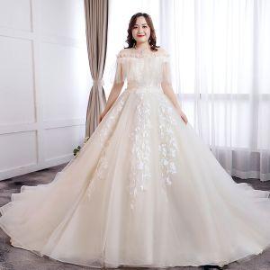 Klassisk Elegant Hvide Balkjole Plus Størrelse Brudekjoler 2019 Applikationsbroderi Halterneck Blonde Tulle Stropløs Chapel Train Bryllup