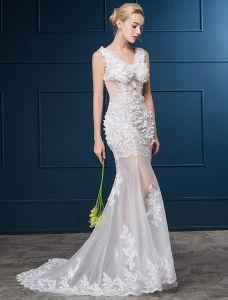Sexiga Bröllopsklänningar 2016 Mermaid V-ringad Applikationer Spets Blommor Bröllopsklänning Med Svep Tåg