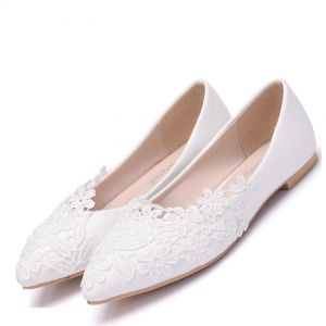 Chic / Beautiful White Outdoor / Garden Womens Shoes 2018 Lace Pointed Toe Flat