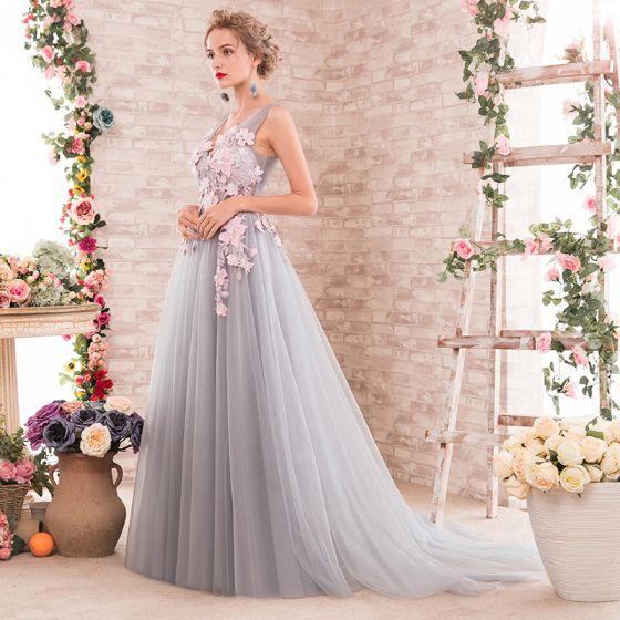 Elegant Grey Prom Dresses 2018 A-Line / Princess Appliques V-Neck Backless Sleeveless Sweep Train Formal Dresses