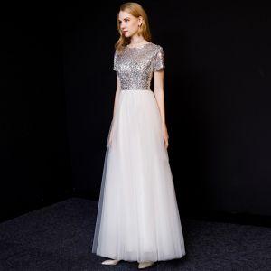 Schöne Weiß Abendkleider 2019 A Linie Rundhalsausschnitt Pailletten Kurze Ärmel Lange Festliche Kleider