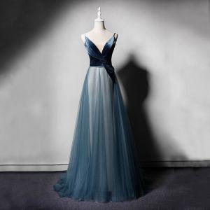 Chic / Belle Bleu D'encre Robe De Soirée 2019 Princesse Bretelles Spaghetti V-Cou Sans Manches Longue Volants Dos Nu Robe De Ceremonie