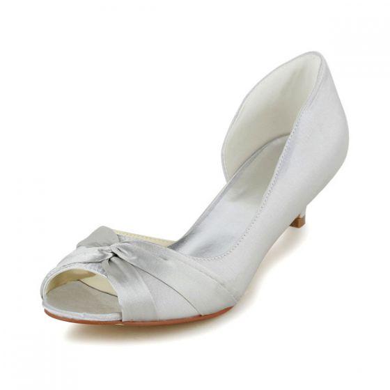 Simple Peep Toe Ruffle Ivory Satin Kitten Heels Pumps Wedding Shoes