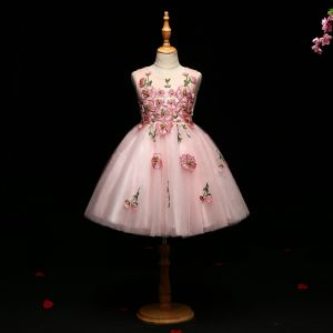 Snygga / Fina Rodnande Rosa Brudnäbbsklänning 2017 Balklänning Spets Appliqués Pärla Urringning Ärmlös Korta Klänning Till Bröllop