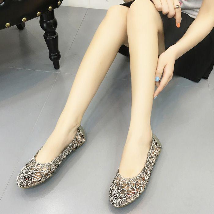 Chic / Beautiful 2017 Gold Outdoor / Garden PU Summer Pierced Flat Platform Flat Sandals Womens Sandals